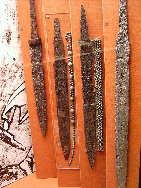 Scramsaxy z epoki Merowingów